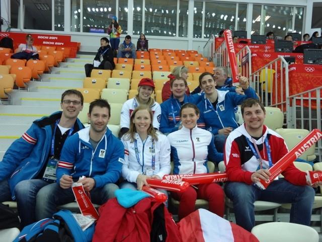 Impressionen Olympische Spiele Sochi 2014 - Fanunterstützung für das Eishockeyteam von Österreich